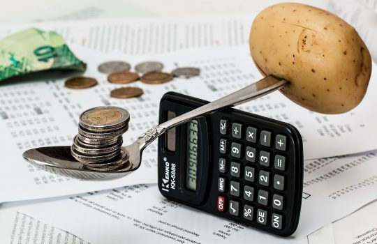 Three Money Saving Tips When You're Globe Trotting